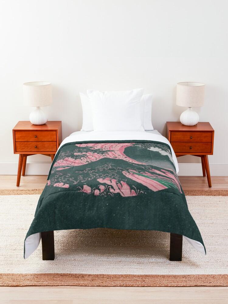 Alternate view of The Great Wave off Kanagawa Mount Fuji Eruption Comforter