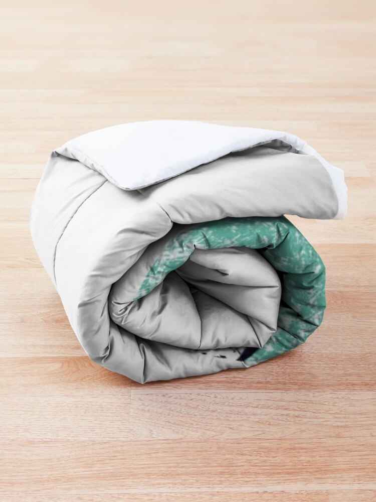 Alternate view of On the hand Comforter