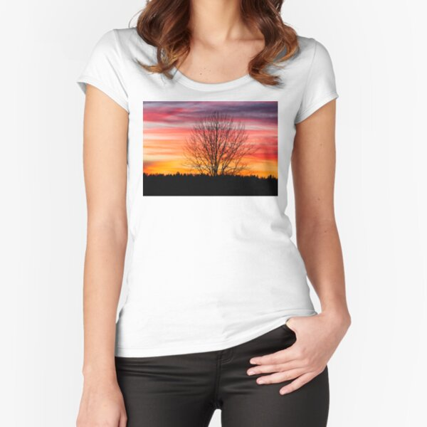 Tree silhouette and beautiful vibrant sunset clouds Fitted Scoop T-Shirt
