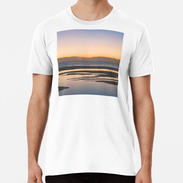 Sunset over the river Premium T-Shirt