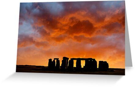 New Dawn ..... Stonehenge by DaveTurner