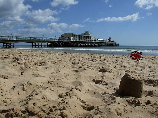 Bournemouth Pier by Samantha Higgs