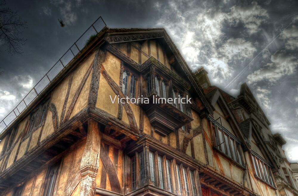 Tudor House - Oxford by Victoria limerick