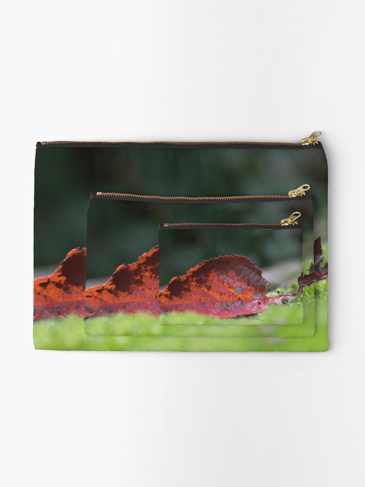 Alternate view of Leaf and moss Zipper Pouch