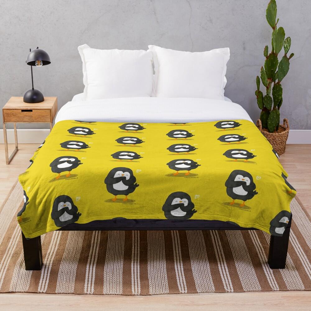 Penguin in Love Throw Blanket