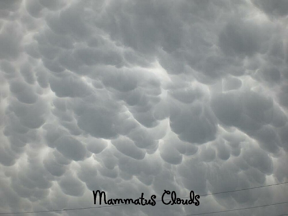 Mammatus Clouds by NelmaHiggins