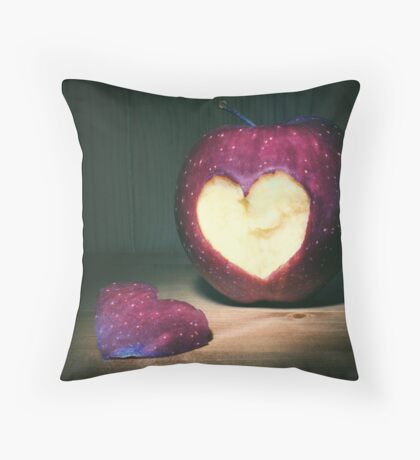 hearty apple Throw Pillow