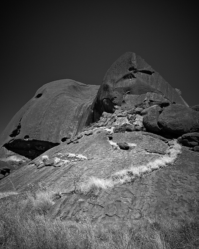 Ullaru Trail  by John Wheatley