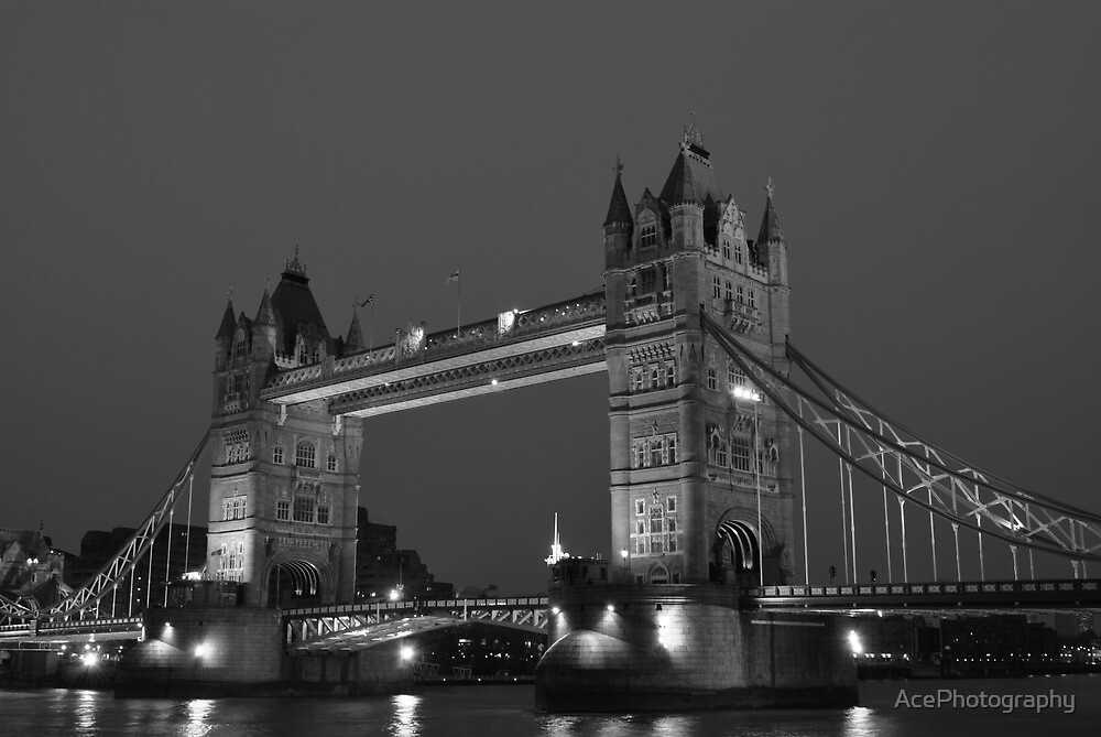 Tower Bridge by AcePhotography