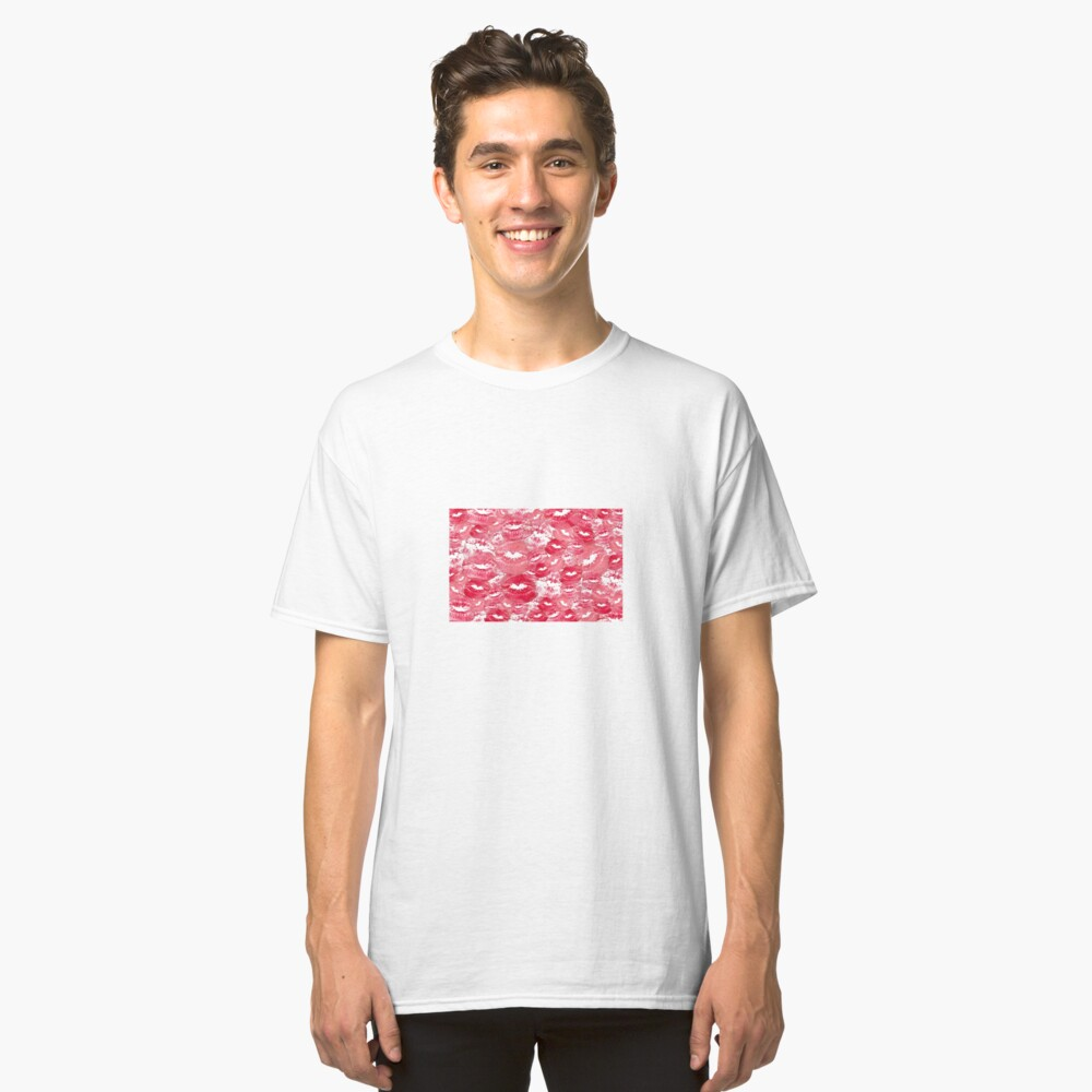 Hearts and Kisses Classic T-Shirt Vorne
