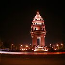 independence monument, phnom penh, cambodia by tiro