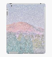 Lila Berg Magesties iPad-Hülle & Klebefolie