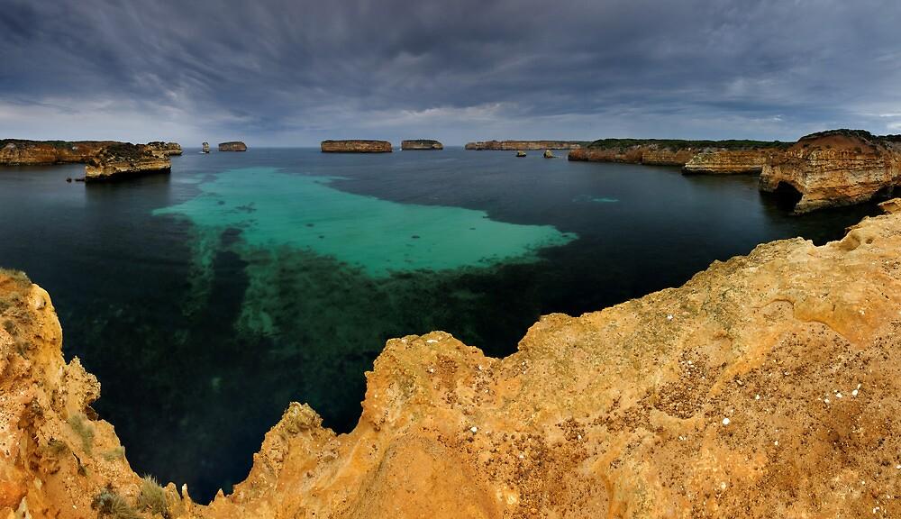 Bay of Islands Pan by Robert Mullner
