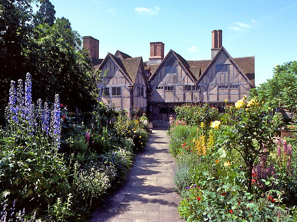 Cottage garden, Stratford-upon-Avon. UK. by johnrf