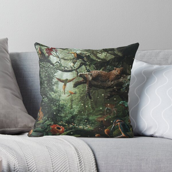 LEOPARD IN THE RAIN FOREST Throw Pillow