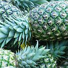 Pineapple on top by Mario  Vazquez