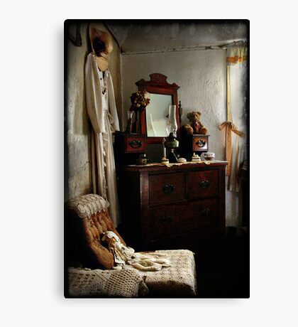 Ackerman's Cottage cameo No 2 ~ Hill End NSW Canvas Print