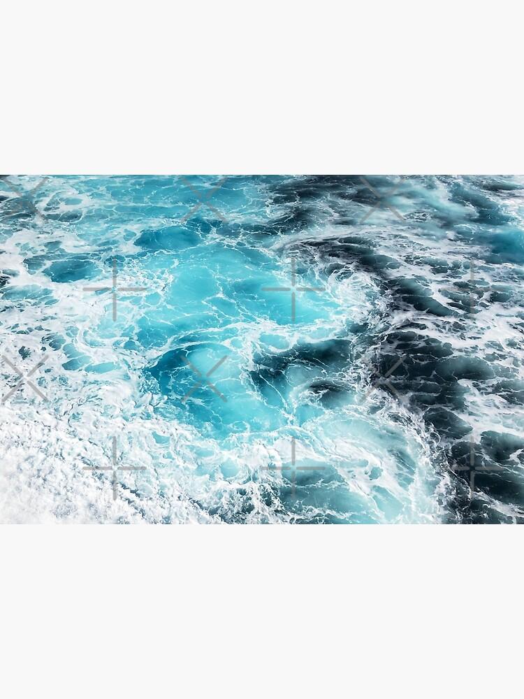 mesmerizing blue ocean waves by acatalepsys