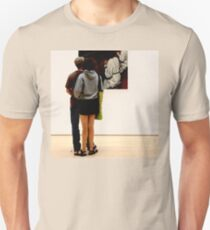 PEOPLE AT AN EXHIBITION T-Shirt