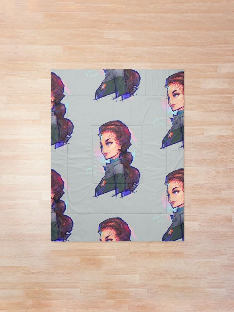 Alternate view of jadzia Comforter