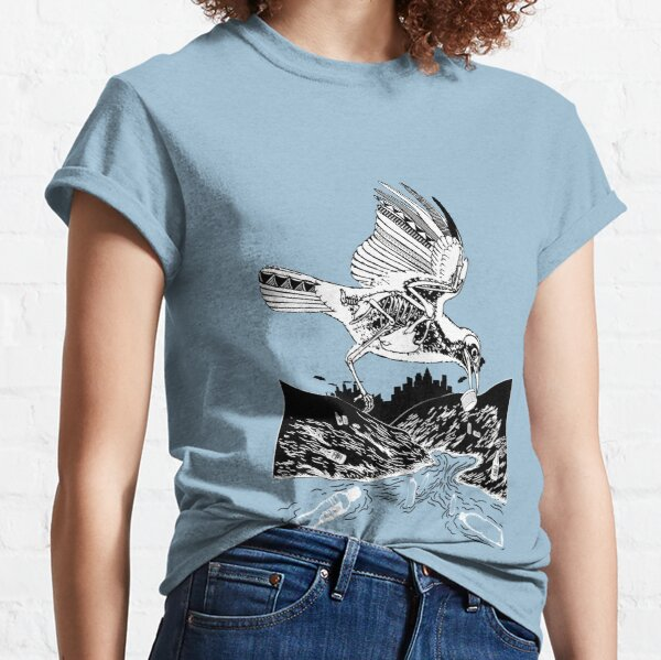 Bird Eating Plastic Classic T-Shirt