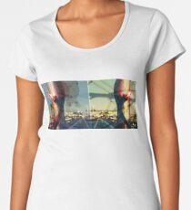 worldline divide Premium Scoop T-Shirt