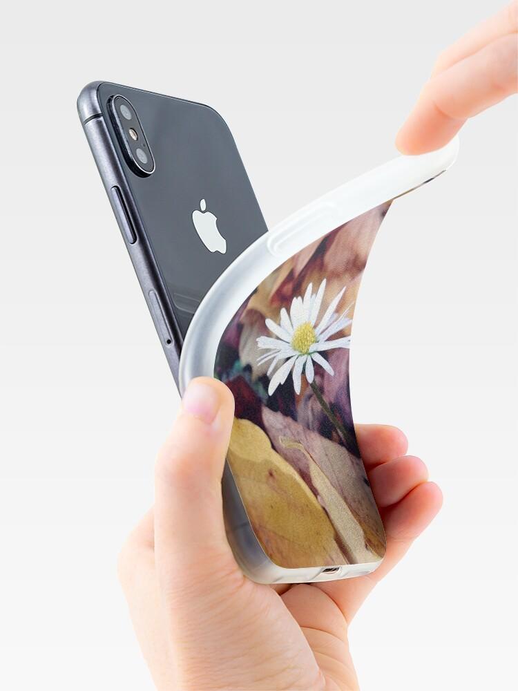 Alternative Ansicht von Gänseblümchen im Herbst iPhone-Hülle & Cover