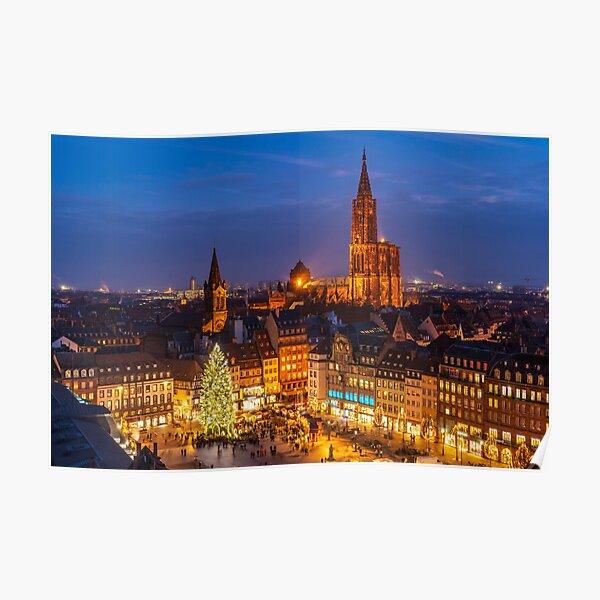 Grand sapin de noël et la Cathédrale de Strasbourg Poster