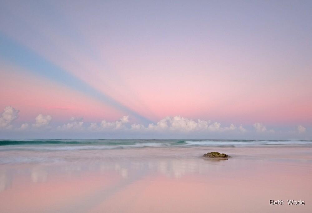 Twilight on the Coast - Miami Beach Qld by Beth  Wode