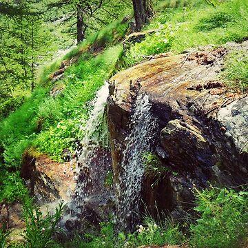 Cascadas de montaña de Fix-it-Fran