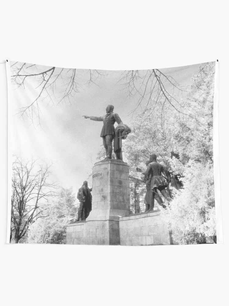 Alternate view of Kossuth Memorial, Lajos Kossuth Square, Budapest Tapestry