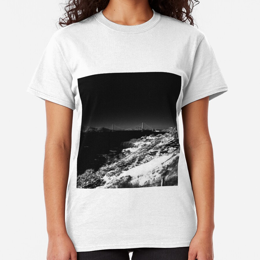 Golden Gate from Land's End - San Francisco  Classic T-Shirt